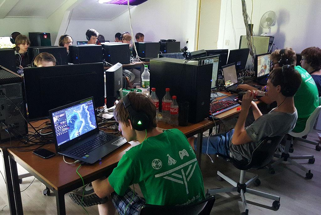 Gamen bij het Gamekamp