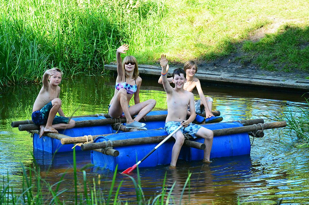 zomerkamp avonturenkamp vlotten bouwen